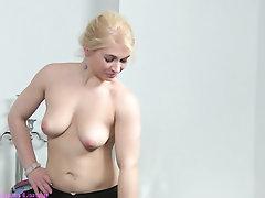 Babe, Casting, Lesbian, Masturbation