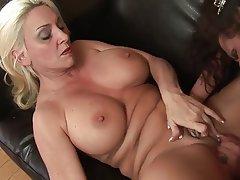 Big Boobs, Cunnilingus, Lesbian